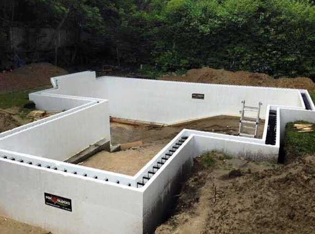 5 Advantages of Building an Insulated Concrete Pool
